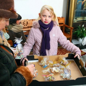 Dekorowanie świątecznych pierniczków-10