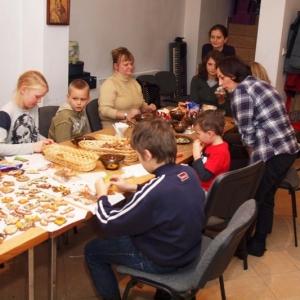 Dekorowanie świątecznych pierniczków-12