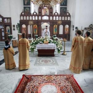Nabożeństwo żałobne za ofiary katastrofy w Smoleńsku (11.04.2010)-3